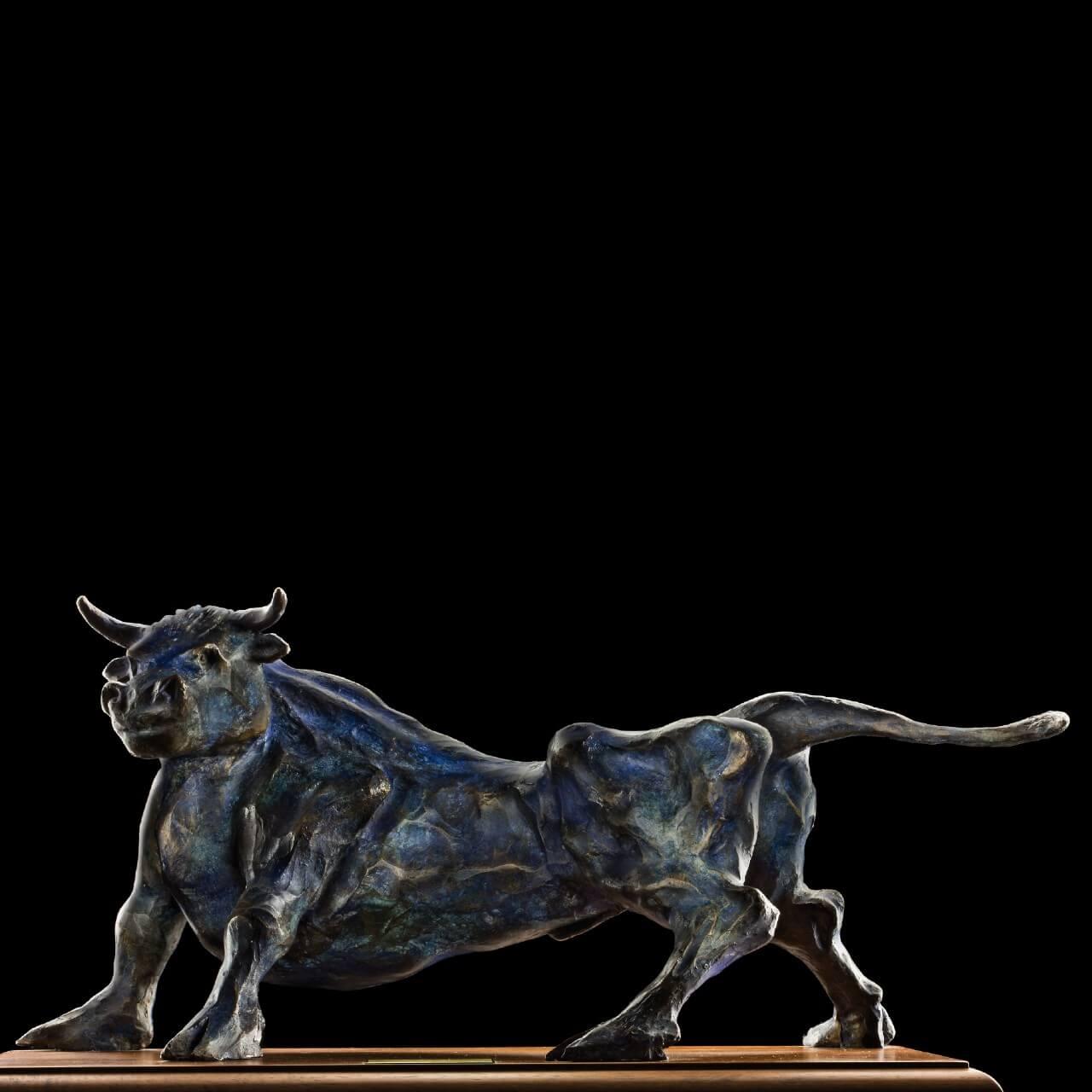 mario pavesi italian sculptur painter bronze bull blue