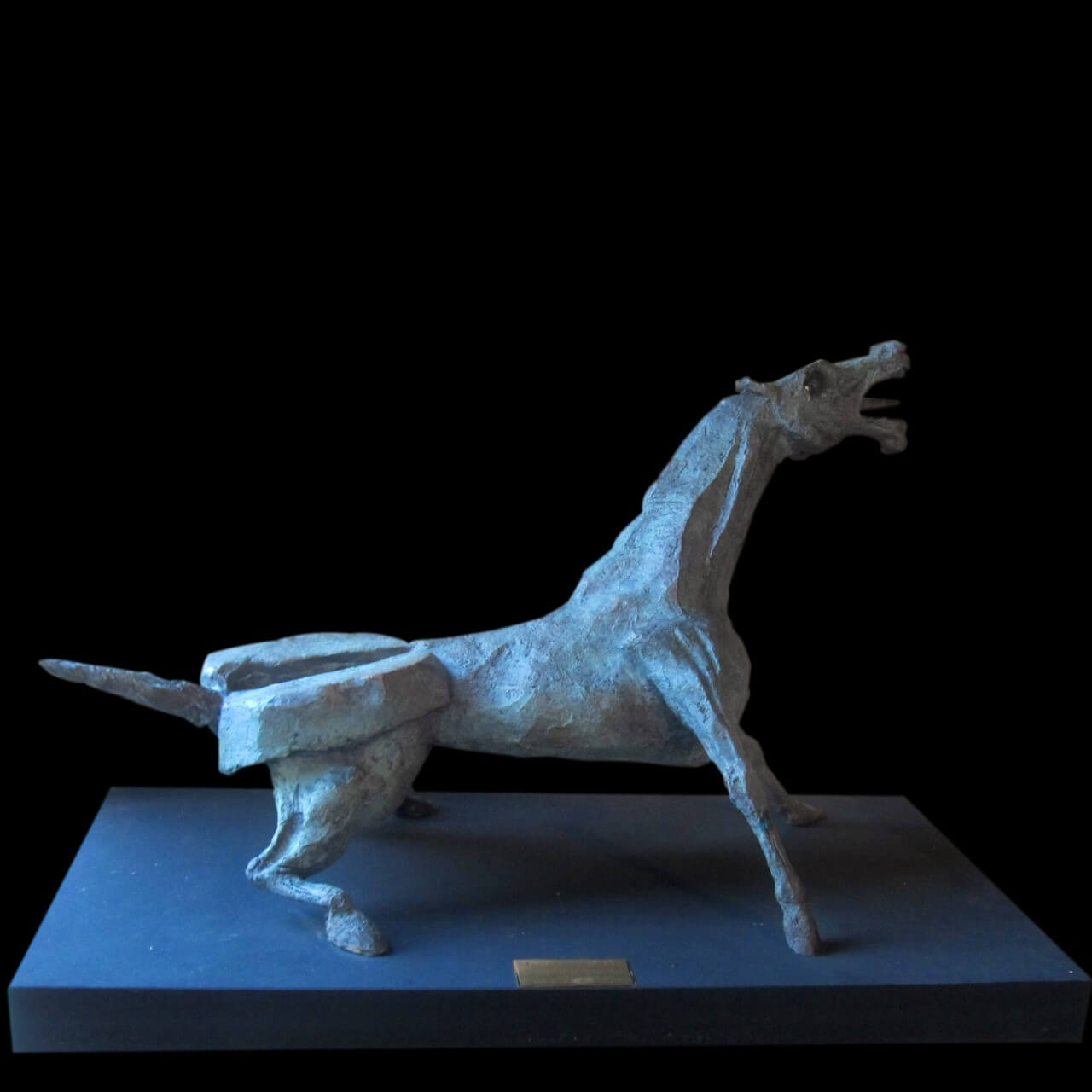 scultura bronzo Mario Pavesi artista reggiano arte cavallo guernica