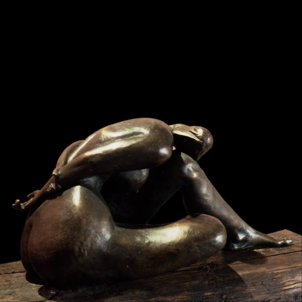 mario pavesi italian sculptur painter bronze female figure