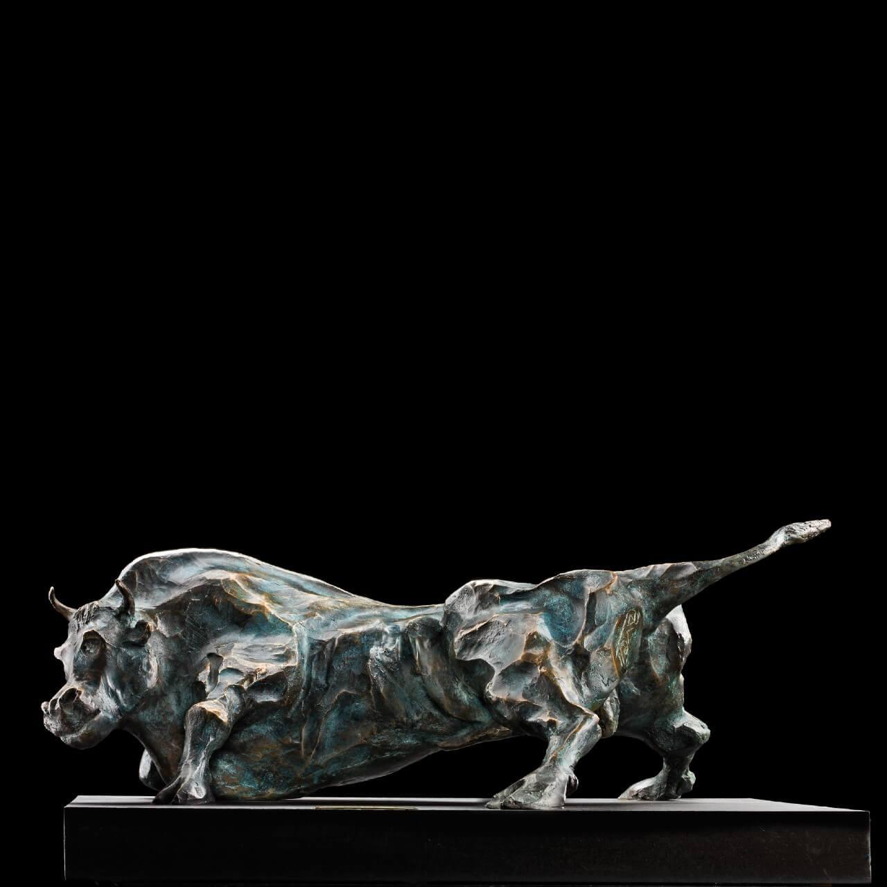 mario pavesi italian sculptur painter bronze bull