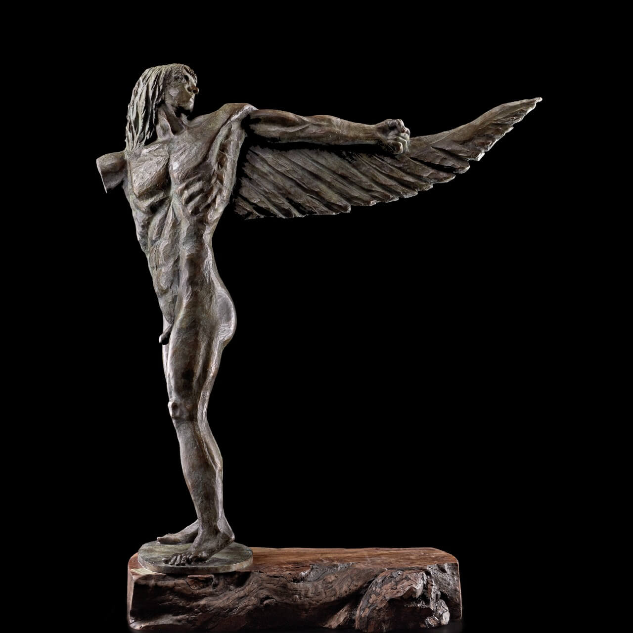 scultura bronzo Mario Pavesi artista reggiano arte icaro corpo maschile
