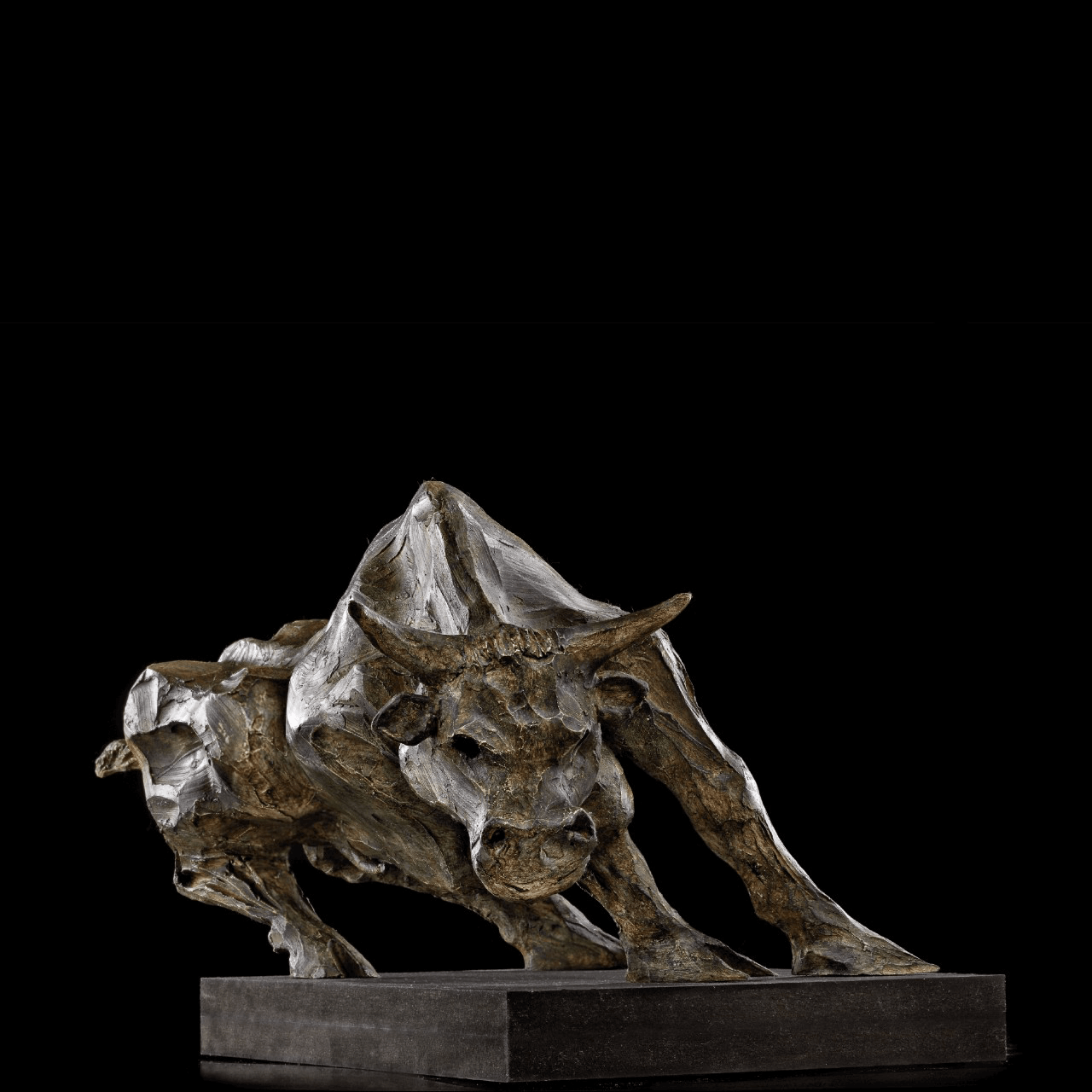 scultura bronzo Mario Pavesi artista reggiano arte toro